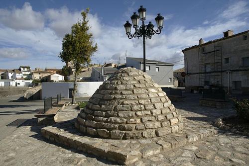 Escultura-túmulo ibero en Azaila.