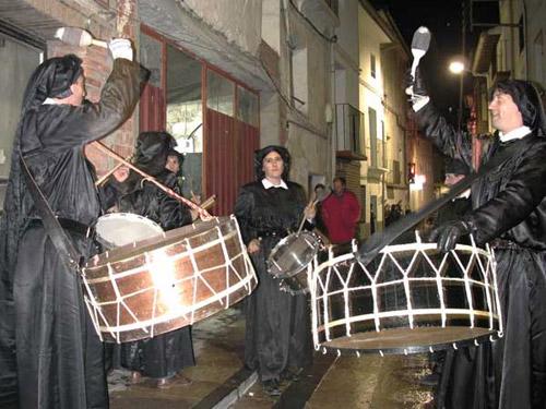 Cuadrilla de tambores y bombos en Hïjar.